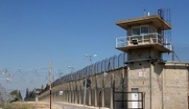 800 أسير يواجهون ظروفاً صعبة للغايةفي سجن