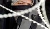 أسيرات سجن هشارون يناشدنّ البرغوثي لوقف انتهاكات إدارة السجن بحقهنّ