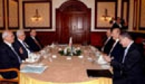 لقاء عباس – أولمرت تناول قضايا أمنية وانتقاد