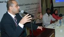 الأسرى للدراسات  : القوانين الدولية تجرم ممارسات الاحتلال بحق الأسرى