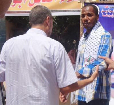 الاسير محرر أبو ستة.. أعتقل شابًا وعاد الشيب يغزو رأسه ..!